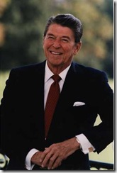 President_Reagan_poses_at_the_White_House_1984